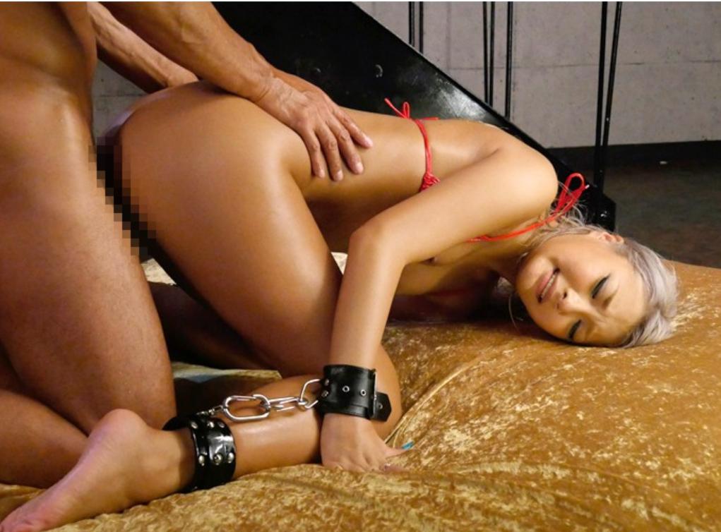 長谷川夏樹は一生懸命!「もう…立てない…崩れ落ちる程の極ピストン性交」では見事な受けっぷりを披露してくれる